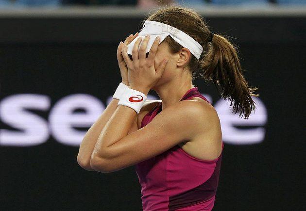 Dojatá Britka Johanna Kontaová po vítězství v osmifinále Australian Open.