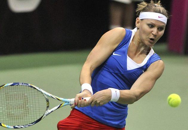 Lucie Šafářová v souboji s Australankou Samanthou Stosurovou z Austrálie.