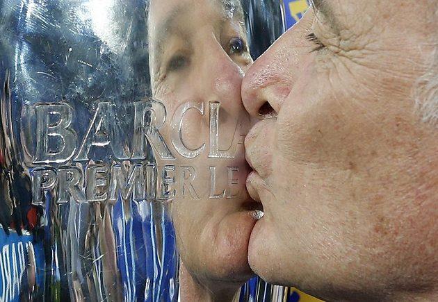 Kouč Claudio Ranieri a jeho pohár...