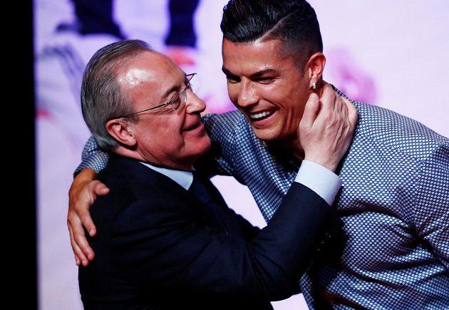 Prezident Realu Madrid Florentino Pérez tvrdí, že bývalé hvězdě Bílého baletu Cristianu Ronaldovi pořád fandí.
