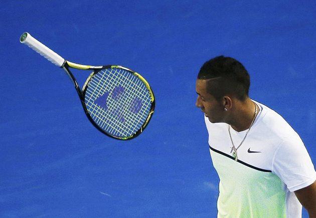 Rozohněný Australan Nick Kyrgios v zápase s Andym Murraym ve čtvrtfinále Australian Open.