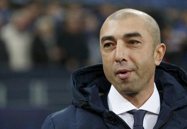 Roberto Di Matteo, bývalý kouč Chelsea, jen rezignovaně přihlížel demolici svých současných svěřenců.
