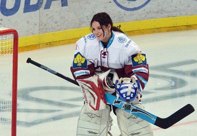 Zpěvačka Ewa Farna v přestávce utkání 21. kola hokejové extraligy mezi Spartou a Brnem.