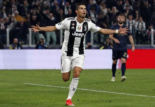 Ronaldo slaví. Hvězdný CR7 dal gól a Juventus vedl v Lize mistrů nad Manchesterem United 1:0.