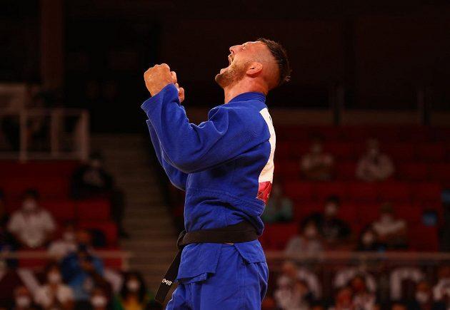 Judista Lukáš Krpálek se raduje z postupu do olympijského finále.