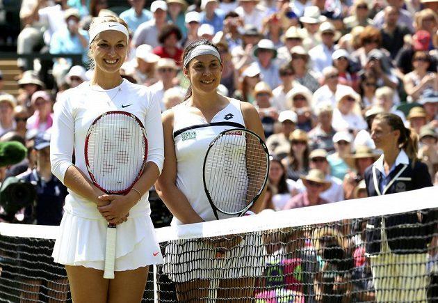 Sabine Lisická a Marion Bartoliová (vpravo)ještě před finálovým zápasem.