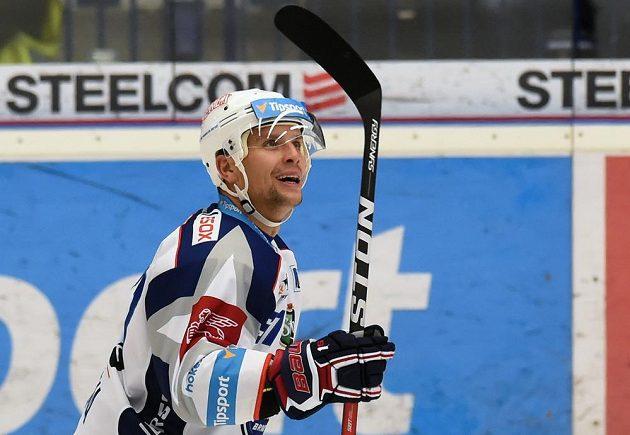 Brněnský útočník Jan Hruška se raduje z vítězného gólu v utkání s Vítkovicemi.