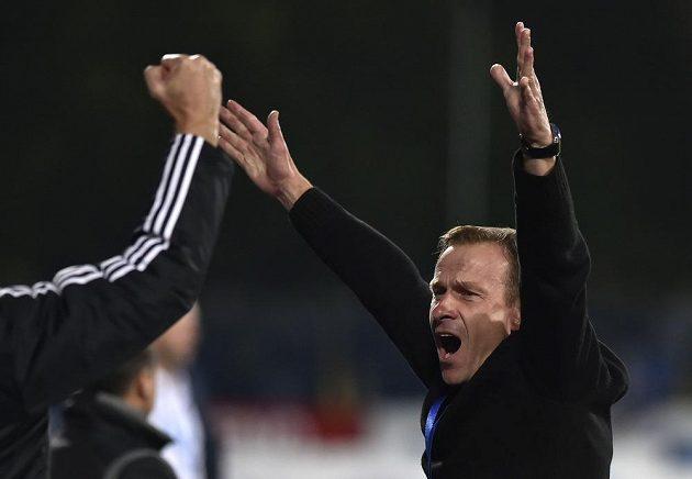 Radost trenéra Jihlavy Ivana Kopeckého z výhry nad Ostravou.