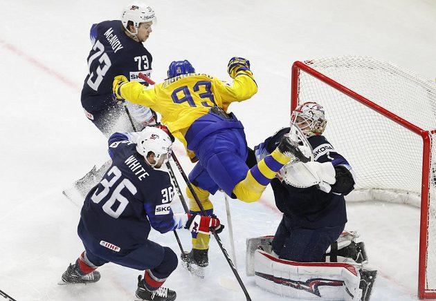 Boj o finále MS, Švédové bojují proti USA.