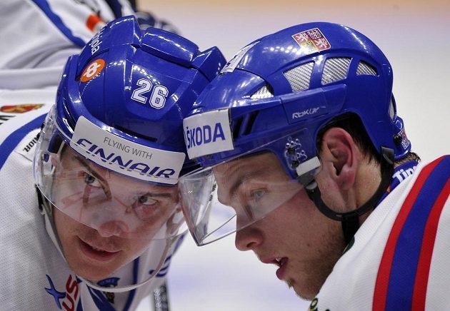 (Vlevo) Jarkko Immonen z Finska a český reprezentant Vladimír Sobotka.