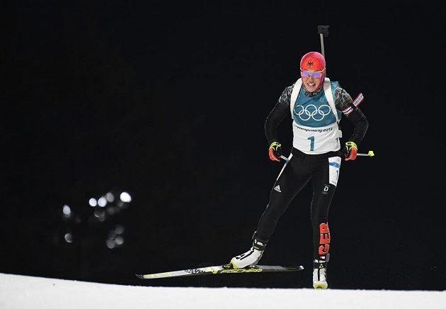 Německá biatlonistka Laura Dahlmaierová si jede na ZOH v Pchjongčchangu pro druhé zlato.
