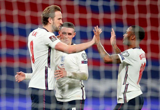 Anglický fotbalový reprezentant Harry Kane slaví gól v utkání proti Polsku hraném v rámci kvalifikace MS 2022.