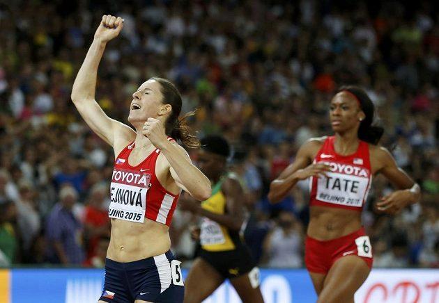Zuzana Hejnová jako první ve finále na 400 m překážek při MS v Pekingu