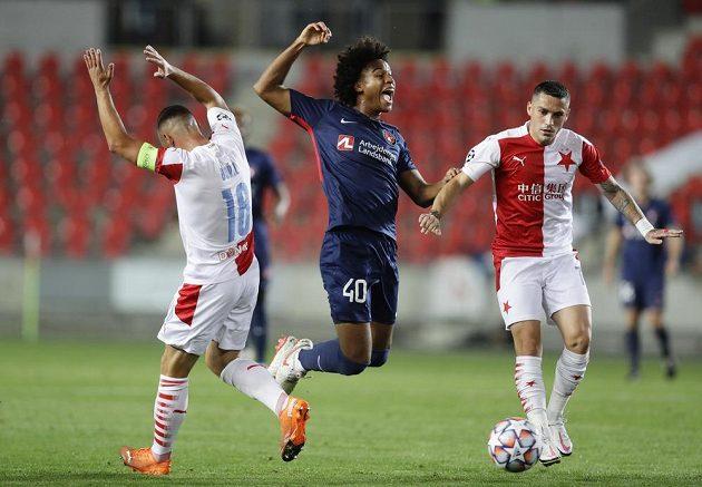 Utkání mezi Slavií a Midtjyllandem přineslo v prvním poločase hodně opatrný fotbal