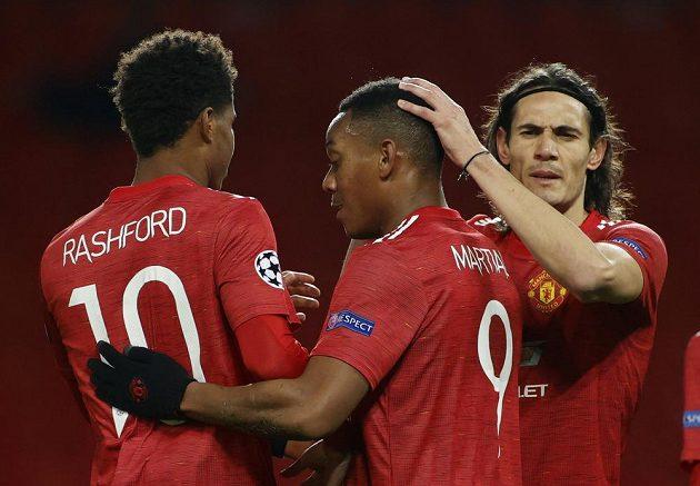 Fotbalisté Manchesteru United se radují z branky do sítě Lipska