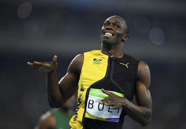 Spokojený úsměv Usaina Bolta, Jamajčan právě vybojoval na třetích olympijských hrách v řadě zlatou medaili na nejkratší trati.