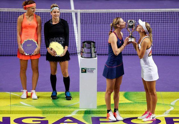 Všechny účastnice finále tenisové Turnaje mistryň v Singapuru.