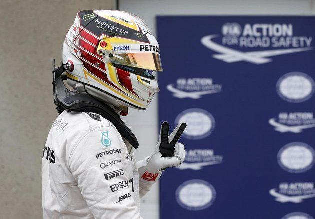 Britský pilot Lewis Hamilton z Mercedesu ovládl kvalifikaci na Velkou cenu Kanady.
