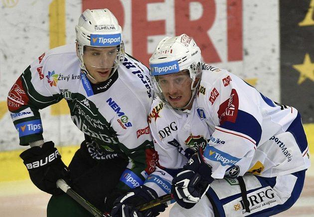 Henri Tuominen (vlevo) z Karlových Varů a Marcel Haščák z Brna.