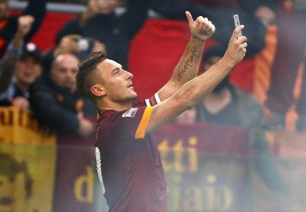Francesco Totti a jeho selfie fotka.