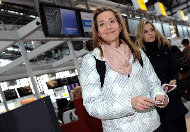 Atletka Denisa Rosolová na letišti Václava Havla před odletem do Göteborgu.