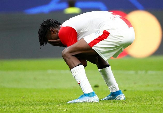 Peter Olayinka v zápase proti Interu Milán
