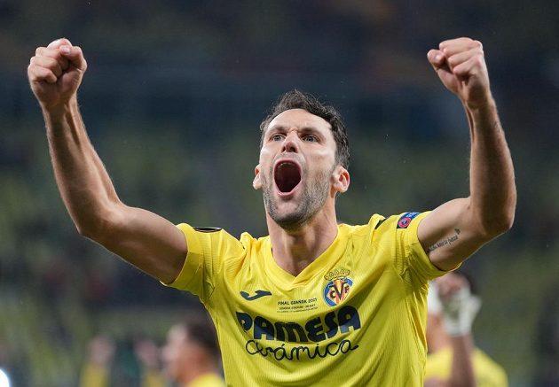 Fotbalisté španělského Villarrealu slaví triumf v Evropské lize, ve finále porazili po penaltovém rozstřelu Manchester United. Na snímku se raduje Alfonso Pedraza.