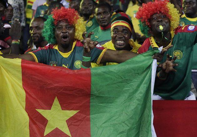 Nezkrotní lvi z Kamerunu jdou dál.
