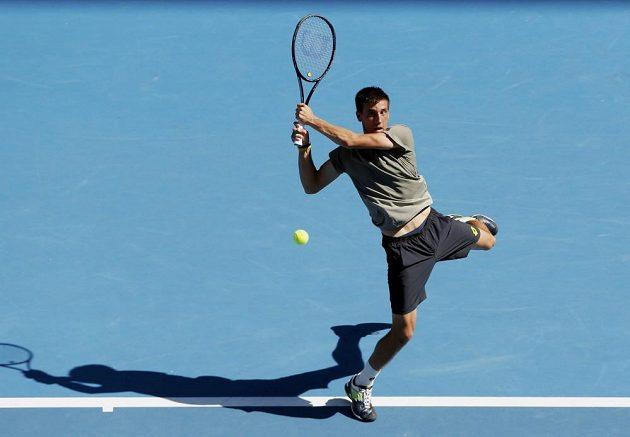 Bosňan Damir Džumhur českého tenistu Tomáše Berdycha ve třetím kole Australian Open příliš nepotrápil.