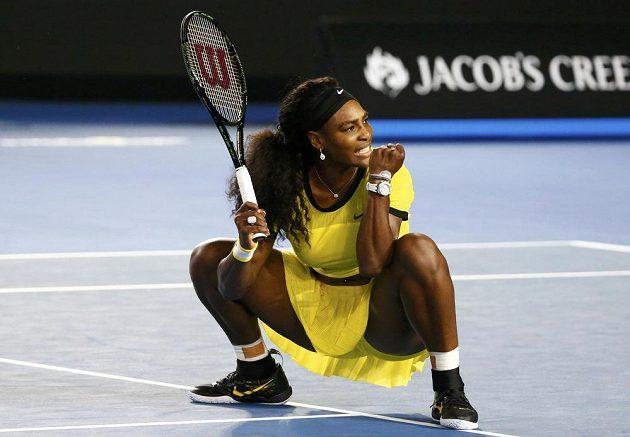 Americká tenistka Serena Williamsová se raduje uz postupu do finále Australian Open.