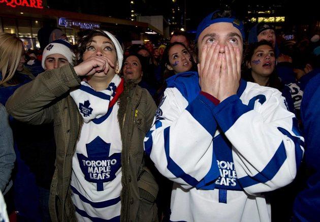 Obrovské zklamání fanoušků Toronta po rozhodujícím gólu Bergerona.