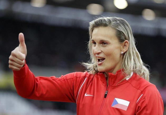 Báro, jsi jednička! Barbora Špotáková získala v Londýně titul mistryně světa.