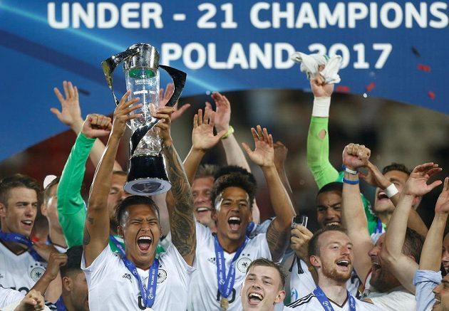 Fotbalisté Německa ovládli mistrovství Evropy hráčů do 21 let v Polsku. Ve finále porazili Španělsko 1:0.