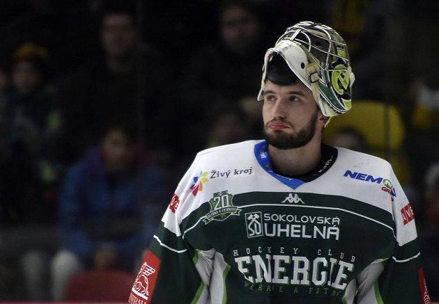 Brankář Karlových Varů David Honzík během utkání 5. kola baráže o hokejovou extraligu mezi HC Dukla Jihlava a HC Energie Karlovy Vary.
