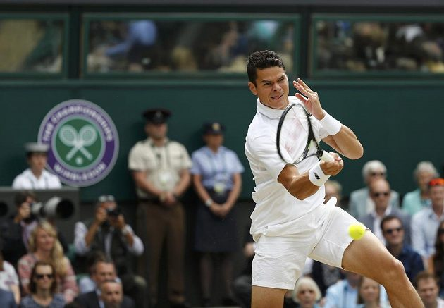Milos Raonic během finále Wimbledonu.
