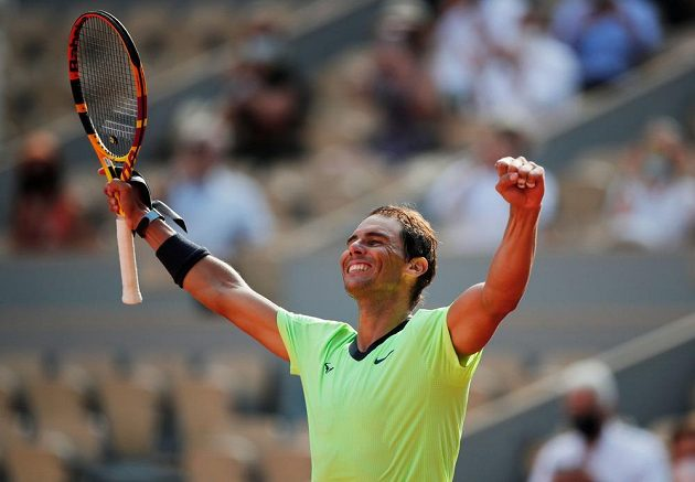 Radost antukového krále. Španělský tenista Rafael Nadal je počtrnácté v semifinále Roland Garros.