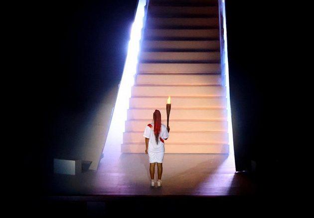 Naomi Ósakaová zapálila olympijský oheň