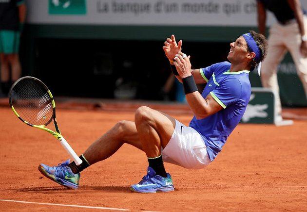 Radost Rafaela Nadala, právě podesáté ovládl French Open.