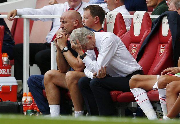 Arséne Wenger by se na ligovou premiéru svého Arsenalu raději ani nedíval.