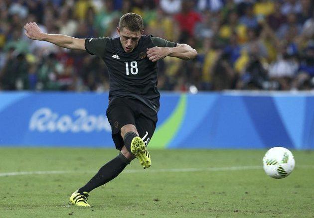 Němec Nils Petersen selhal, nedal penaltu v rozstřelu. Brankář Weverton ji zneškodnil a Brazilci byli blízko k triumfu.