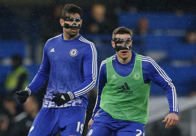 Se speciálními maskami, které chrání především nos, nastoupili Diego Costa a César Azpilicueta z Chelsea do zápasu 26. kola anglické Premier League proti Newcastlu.