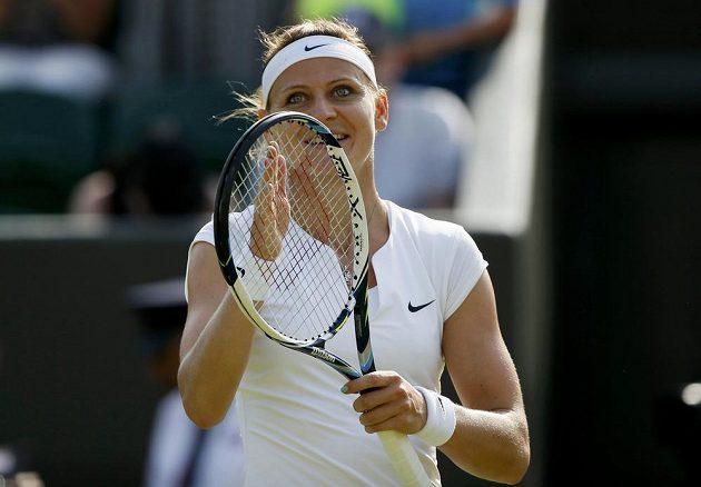 Česká tenistka Lucie Šafářová se raduje z vítězství nad Američankou Sloane Stephensovou.
