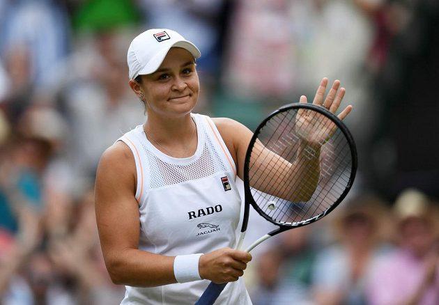 Australská tenisová hvězda Ashleigh Bartyová mohla po prvním kole Wimbledonu slavit.