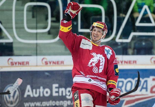 Daniel Rákos z Třince se raduje z gólu proti Liberci.