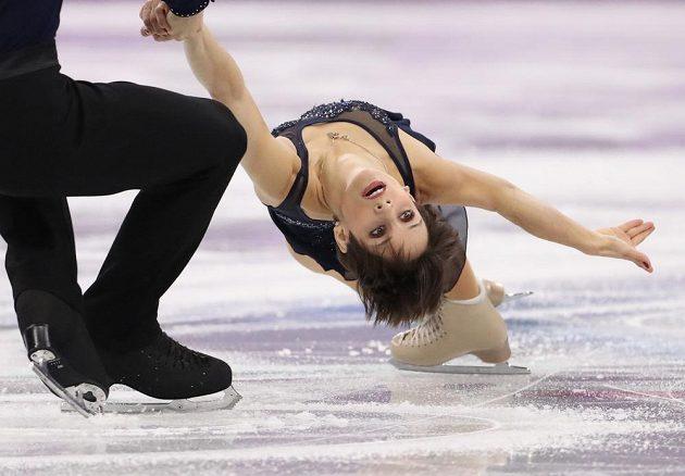 Kanadští krasobruslaři Meagan Duhamelová a Eric Radford při olympijské soutěži družstev.