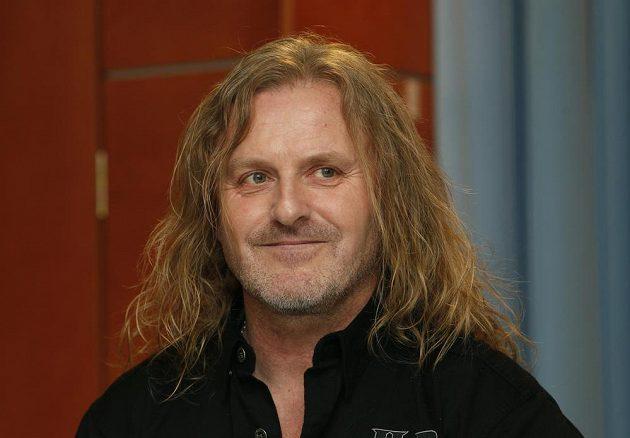 Zpěvák a člen skupiny Kabát Josef Vojtek.