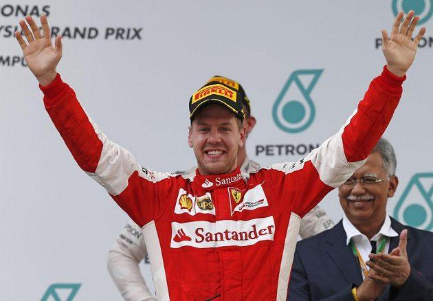Vettelova radost po výhře v Malajsii byla nezměrná.