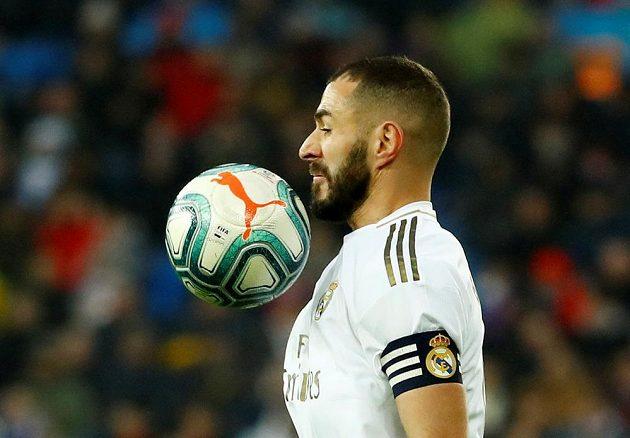 Útočník fotbalového Realu Madrid Karim Benzema v akci.