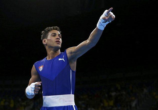 Radost kubánského boxera Robeisyho Ramíreze.
