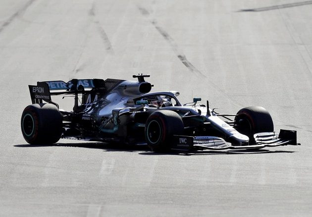 Pilot mercedesu Lewis Hamilton během Velké ceny Ázerbájdžánu.